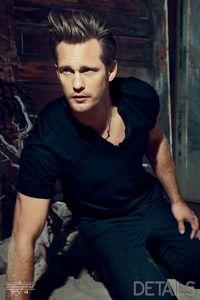 My all time yêu thích actor and sexy Mr Skarsgard :)