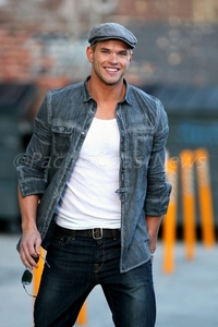 Kellan in denim<3