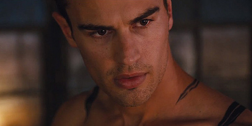 this pic of my yummy Theo is definitely haut, retour au début 10 worthy<3