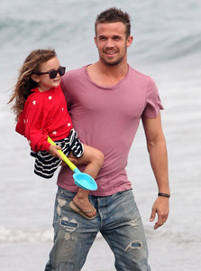 Cam and his daughter<3