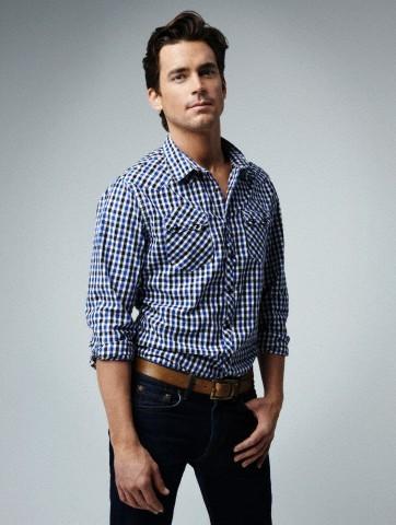 Matt wearing dark blue jeans for a photoshoot <333333