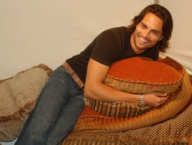 Scott Elrod,who was born in Germany<3