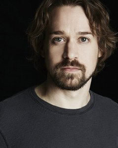 """I don't think he is really ugly, but on """"Greys Anatomy"""" he did not look hot at all to me - T.R. Knight. When I saw this picture of him - I thought Wow - he is hot!"""