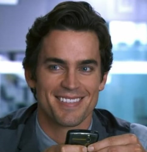 """Neal sending a dashing smile across the mesa to Peter (""""Threads"""", one of the best scenes of Season 1) <333333"""