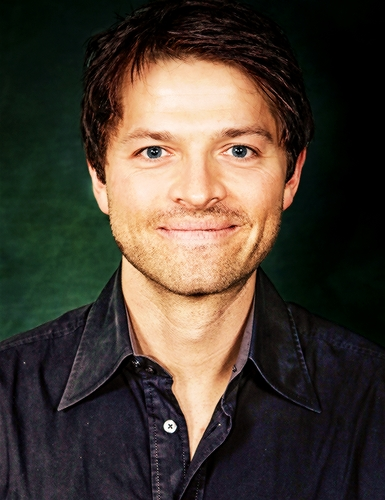 Misha Collins. How can anyone NOT find him adorable? (also I think I already posted this pic but... whatever.)