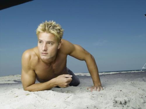 "Justin posing for the ""Aquaman"" promo pics <33333"