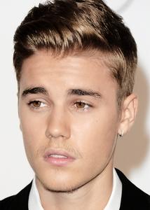 Justin *___*