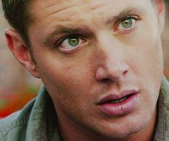 Jensen Ackles' breathtaking green eyes. <3