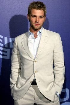 Mike Vogel(from the tv onyesha Under the Dome)wearing white<3