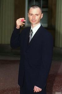my dear with his OBE menyeberang, cross (1999)