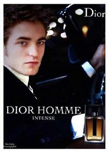 First of all,I think bạn meant does,not dies.Second,of all,guys don't wear perfume,they wear cologne.I know that Robert is the face for Dior Homme,so I'm guessing he wears Dior Homme cologne
