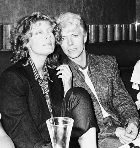 proof that only sitting 下一个 to Bowie is orgasmic!