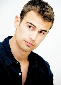 Theo has a gorgeous shaped face<3
