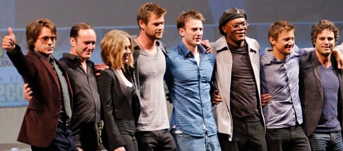 Chris H in the middle surrounded by his fellow Avengers co-stars<3