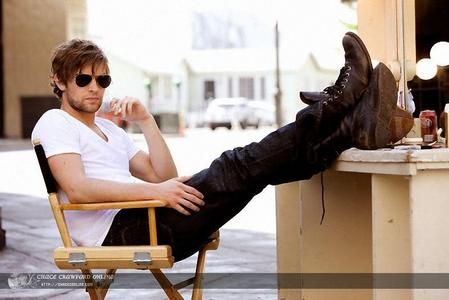 Chace in a chair<3