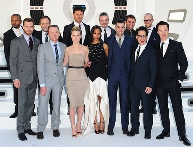 Chris Pine with his fellow cast Trekkies<3
