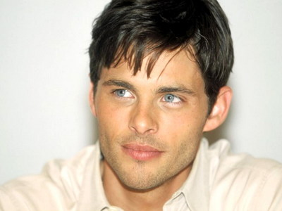 he may not be one of my faves,but James Marsden is a sexy guy<3