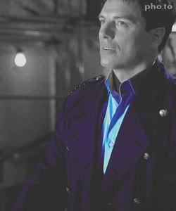 Captain Hotness!