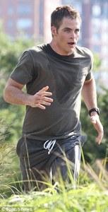 Chris Pine running<3