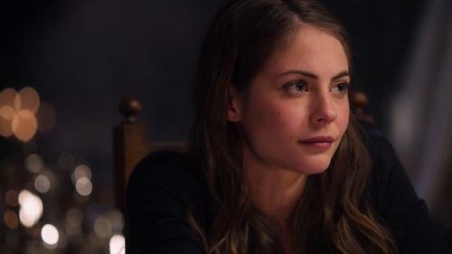 Willa Holland plays Thea on Arrow!
