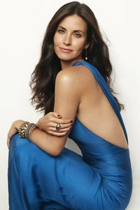 Courteney Cox wearing blue :)