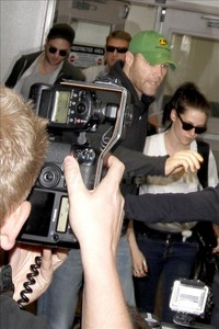 the f***ing paparazzi getting in the faces of my two fave people.Jeez,give them some room to breathe for God's sake and LEAVE THEM ALONE!!!!!