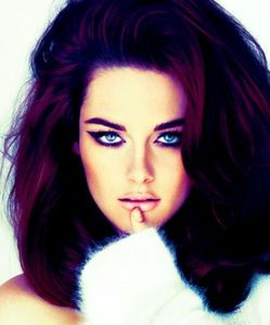 I want her gorgeous green eyes<3