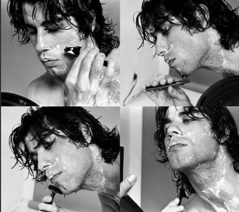 John दिखा रहा है plenty of neck while shaving :)