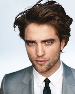 this pic of my gorgeous Robert is on the HA banner<3