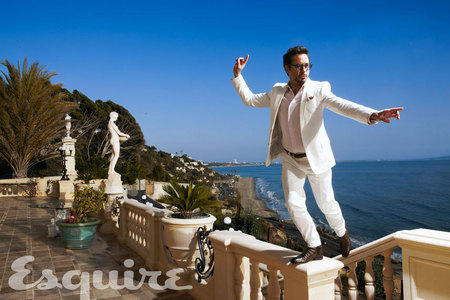 RDJ with sky behind him<3