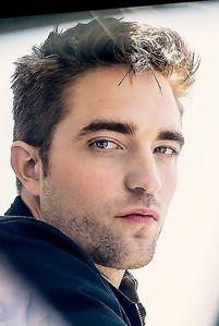 Pattinson's perfect,kissable lips<3