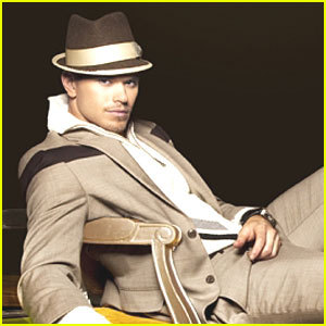 Kellan looking kool in that hat<3