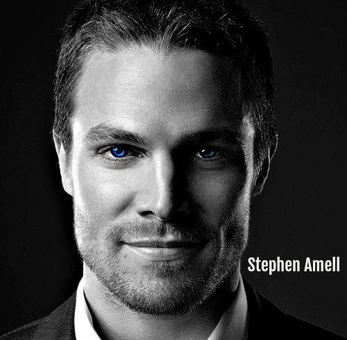 Stephen Amell<3