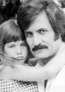 Jennifer with her dad in 1974 <3333