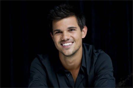 Taylor's gorgeous smile<3