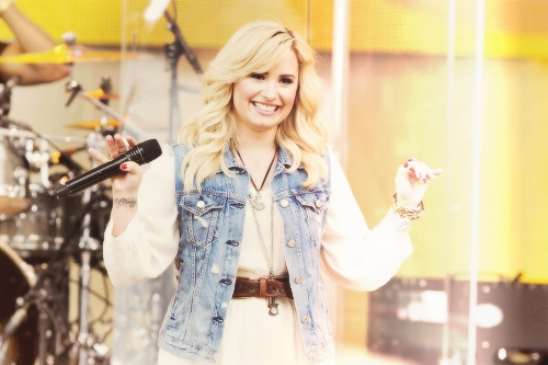 she looks so adorable here ♥