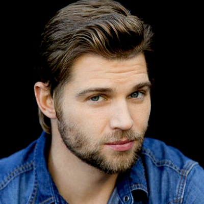 a gorgeous closeup of Mike Vogel,who stars on my fave show,Under the Dome<3