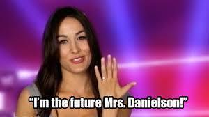 I already found it. It's Brie Bella.