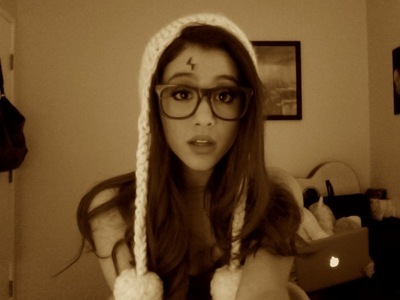 Post A Pic Of Ariana Wearing Glasses Ariana Grande Answers Fanpop