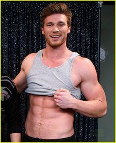 Derek Theler's muscles