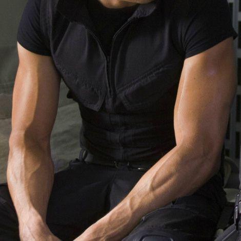 Jeremy's sexy arm veins<3