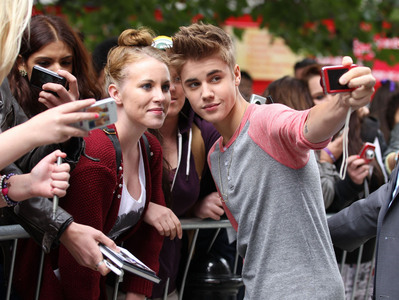 Justin and fans.
