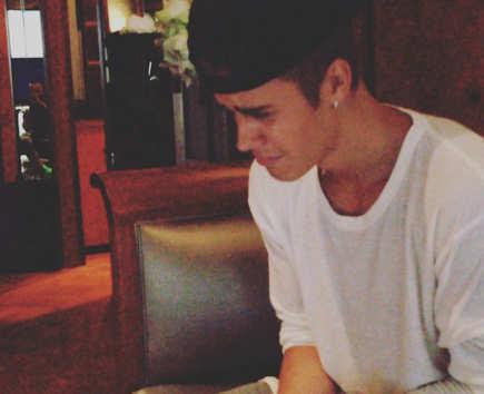 awwwwwwwww,poor Justin:(