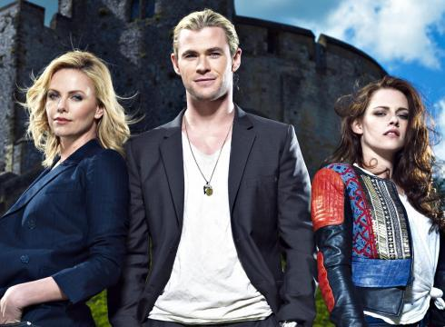 Chris with his SWATH stunners Kristen and Charlize<3