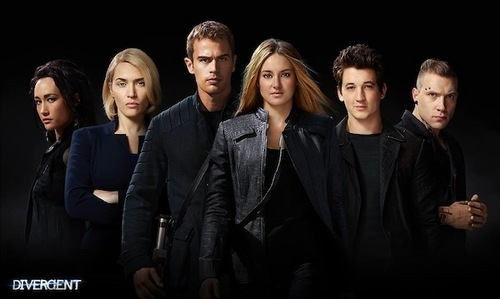 Theo with some of his Divergent co-stars<3