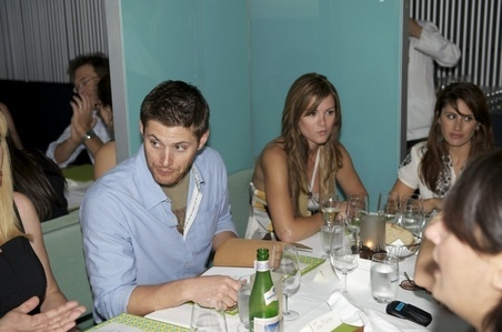 Jen and Danneel and some other folks...