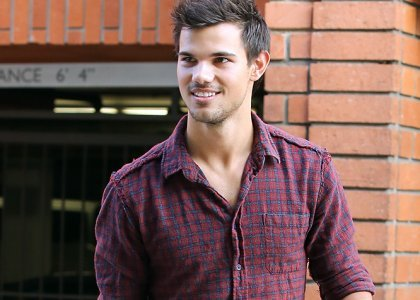 Taylor in purple plaid<3