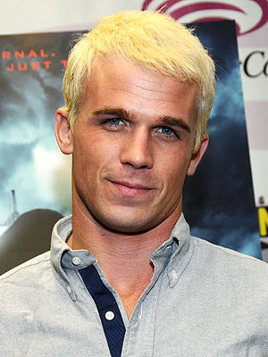 Cam with platinum blonde hair<3