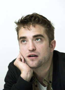 my lovely Robert looking up<3