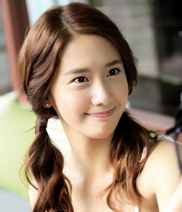yoona of course (without makeup)